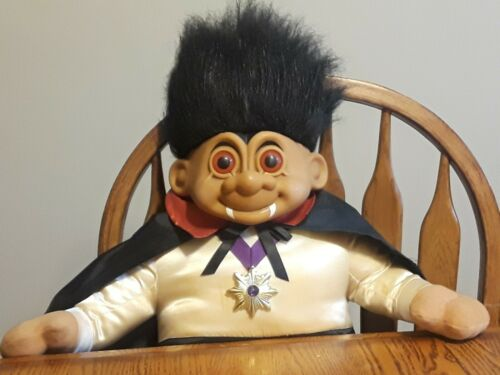 EXTREMELY RARE RUSS VAMPIRE HALLOWEEN TROLL 27 INCHES