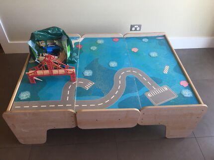 Imaginarium Train Table And Accessories