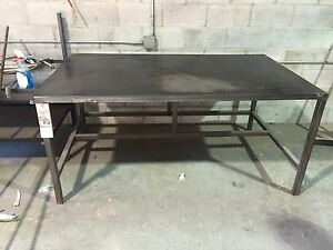 Metal work benches / tables
