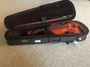 Stentor Violin 4/4. Brand New