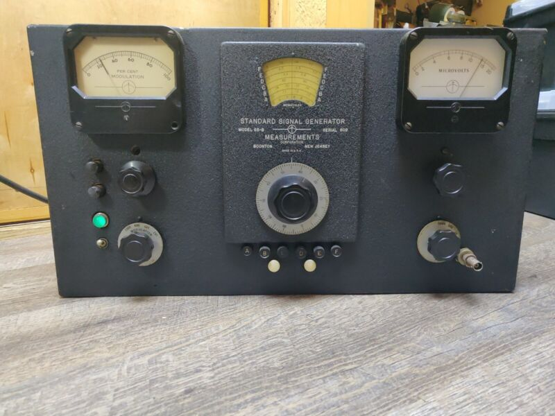 Vintage Standard Signal Generator Boonton Model 65-B, TESTED WORKING