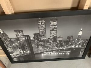 Cityscape art work w/twin towers