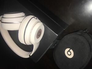 Beats Solo3 Wireless *MINT CONDITION*