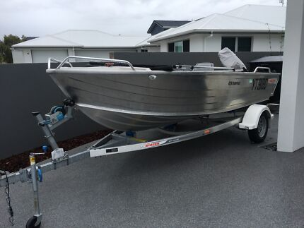 Tinny boat Stacer