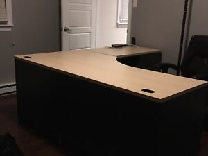 6ft x 6ft desk and 20x36 file cabinet