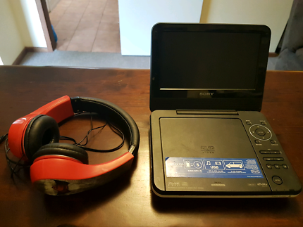 Sony Portible DVD Player with headphones good cond