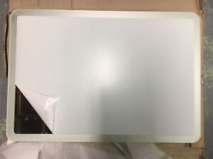 Mirror with frosted edge