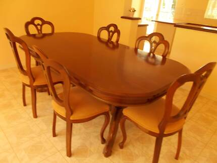 Dining Table Seats 8 10 Walnut Oval French Italian Made As New