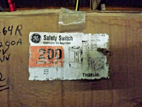 GE TH3364R  200 AMP Fused safety switch 600 VAC 150 HP 3 Phase 4 Wire NEMA 3R