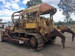 International TD20B Bulldozer with blade, stick rake and rippers Dundowran Fraser Coast Preview
