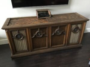 Magnavox 60's Stereo Console, Vintage Radio and Record Player