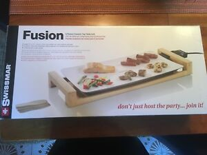 Swissmar Fusion 6 Person Ceramic Table Top Grill - Brand New