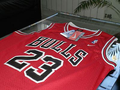 29bf71a679 MAILLOT NBA AUTHENTICS - MICHAEL JORDAN #23 - M - CHICAGO BULLS - JERSEY -  NEUF!