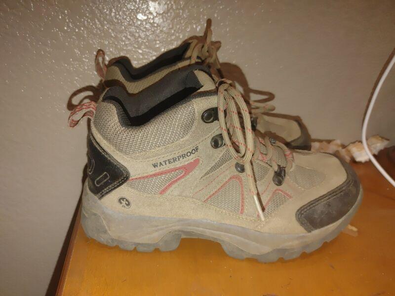 Northside EUC Worn twice  Boys Girls Size 5M, Snohomish Jr Trail Boots, Brown