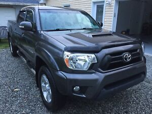 2015 TRD Tacoma 4 door 4x4 Low Low kms ((TRADE))
