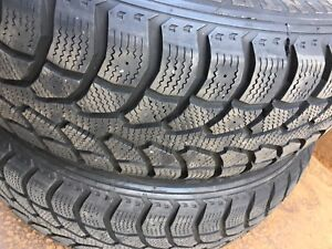 2 Winter Claw 225/65R17 Snow tires