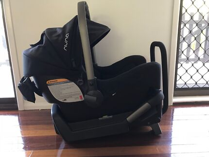 Nuna Pipa Baby Capsule Car Seat including base plate and adaptors