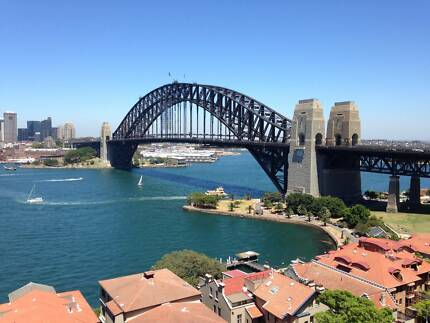 Just like a Hotel with Harbour Bridge View in front and Balcony