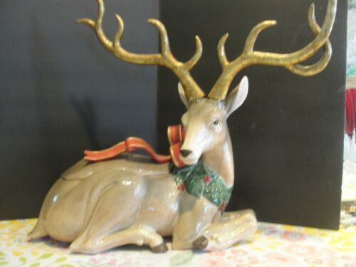 FITZ AND FLOYD REINDEER W/ RIBBON LARGE CENTER PIECES