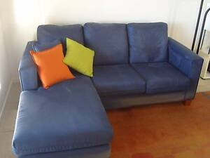 LOUNGE:  3 seater Chaise with matching 2 seater Kuraby Brisbane South West Preview