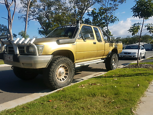89 SR5 EXTRA CAB HILUX Coomera Gold Coast North Preview