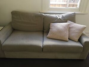 1 x 2.5 seat couch and 2 x arm chairs. Richmond Yarra Area Preview