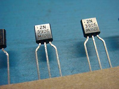 50 Motorola 2n3906 0.2a 40v Pnp General Purpose Transistor To-92