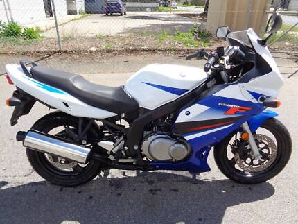 2013 SUZUKI GS500F only 9000klms LEARNER LAMS APPROVED