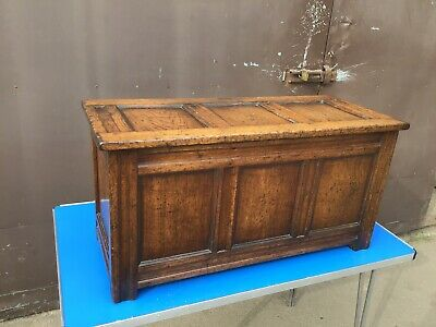 Vintage Oak Chest Blanket Box /Coffer Coffee Table /Trunk
