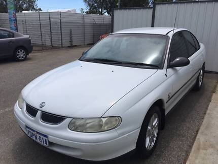 2000 Holden Commodore VT Auto Sedan $1999