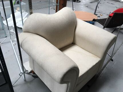 Lounge chairs FREE👍