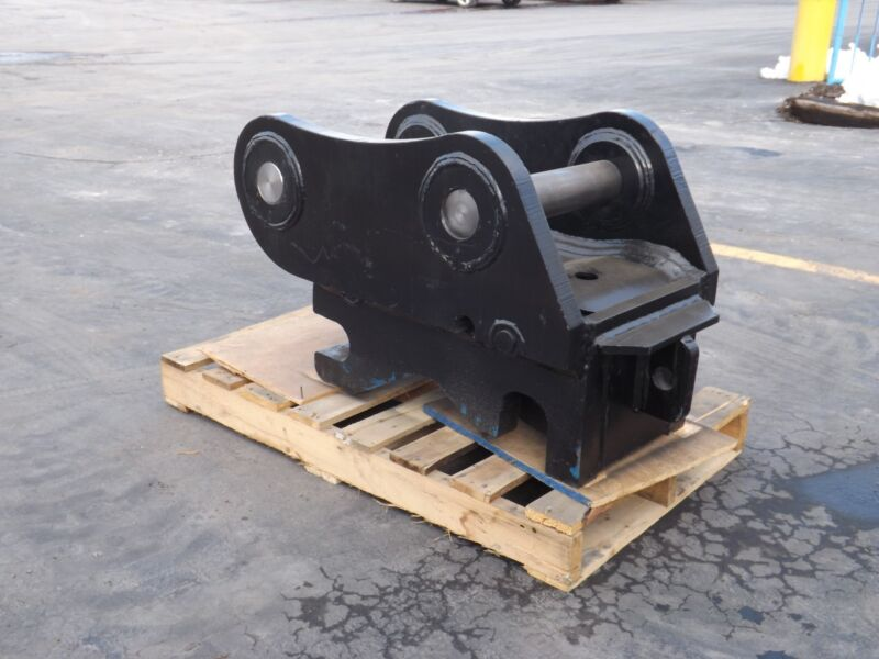 New Hydraulic Quick Coupler For Caterpillar 325 With C-linkage