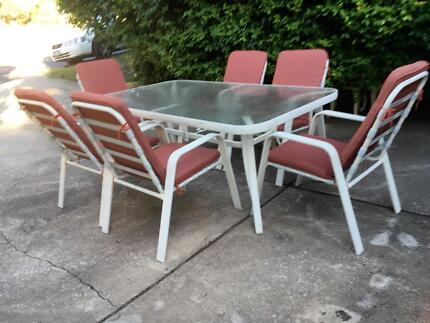 Outdoor/Garden Setting-rectangular table plus 6 chairs, in vgc