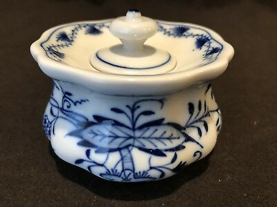 Meissen Blue Onion Ink Pot Well w/ Lid Crossed Swords Circa 1934 Porcelain