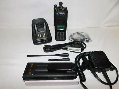 Motorola Xts3000 800mhz 9600 Baud P25 Digital And Analog Portable Radio Des-xl