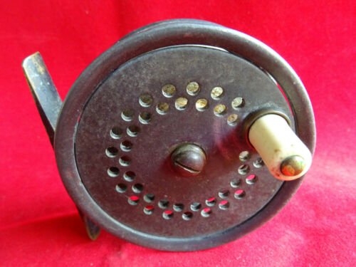 """A GOOD VINTAGE C FARLOW 3"""" TROUT FLY REEL"""