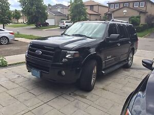 Ford Expedition black fully loaded black leather 8 seater
