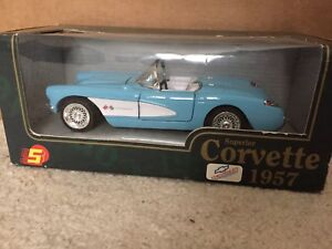 1957 Chevrolet Corvette diecast car 1:24