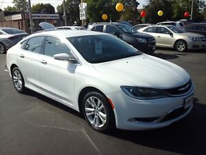 2015 CHRYSLER 200 LIMITED- HEATED FRONT SEATS, BLUETOOTH, SATELL