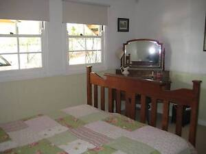 7.5ks from Brisbane City 2 bedroom furnished granny flat, no bond Annerley Brisbane South West Preview