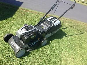 Victa Ultimate Lawnmower Self Propelled Push button start As New cond Aberglasslyn Maitland Area Preview