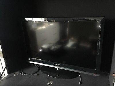 """DYNEX 32"""" LCD TV DX-32E150A11 Flat Screen TV On Stand With Remote"""
