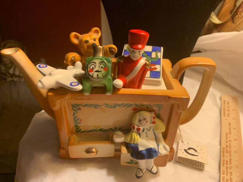 Cardew signed large Toy Box teapot signed