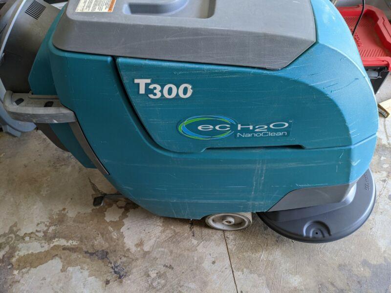 "Tennant T300e 20"" Walk-Behind Floor Scrubber with ec-H2O"