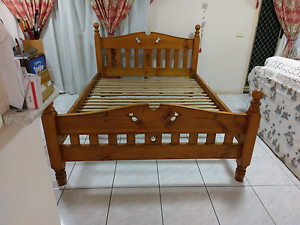 Free deliver solid wood queen bed frame Eastgardens Botany Bay Area Preview
