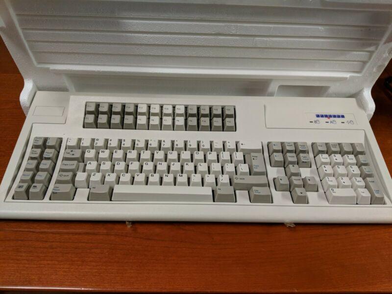 Vintage Unicomp Model M 122 Key Keyboard Beige 3-18-2003 with User Guide