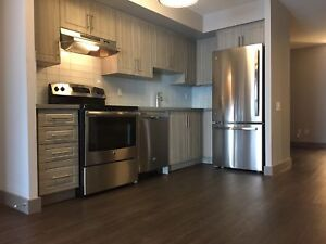 KING WEST,    NEWLY RENOVATED LARGE 1 BDRM + DEN