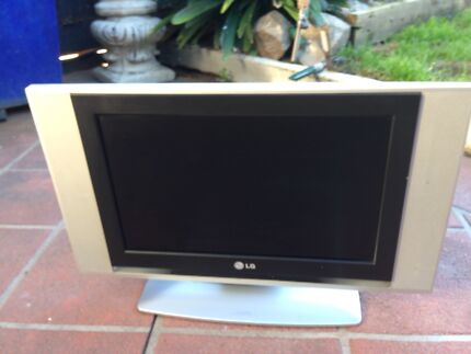 LG 17inch LCD tv in working condition