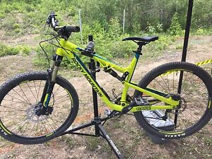 2016 Rocky Mountain Thunderbolt 730 *$2100 without dropper post*