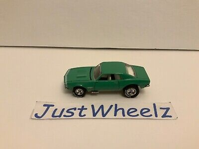 1997 Hot Wheels 30th Anniversary Muscle Cars '67 Chevy Camaro w/ Real Riders